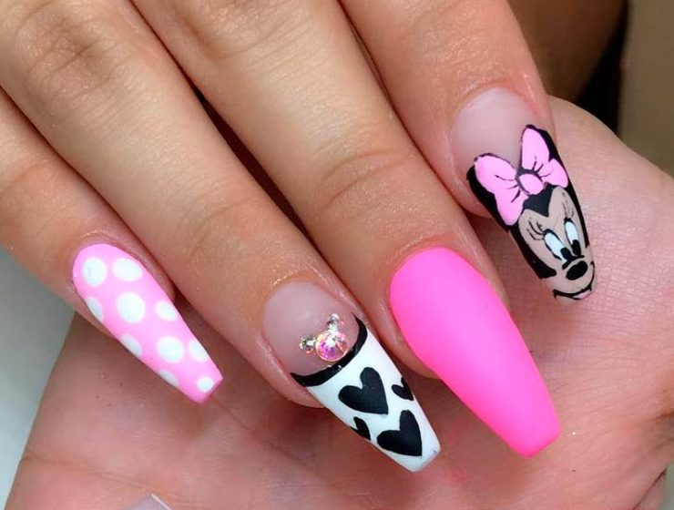Lovely Mickey Mouse Nails Art Tutorials You will Want to Try