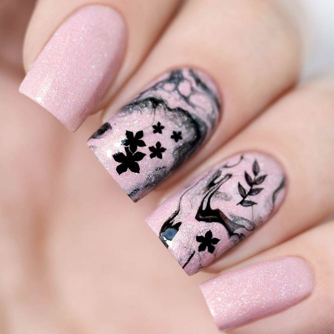 Abstract Nail Art in Pink Shades picture 3