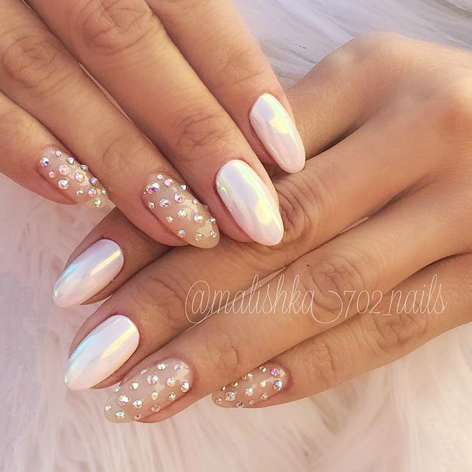 Shiny Jewelry On Your White Nails picture 1