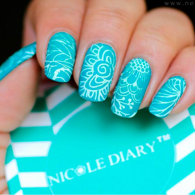 Perfect Combination Aqua And White Nail Polishes picture 3