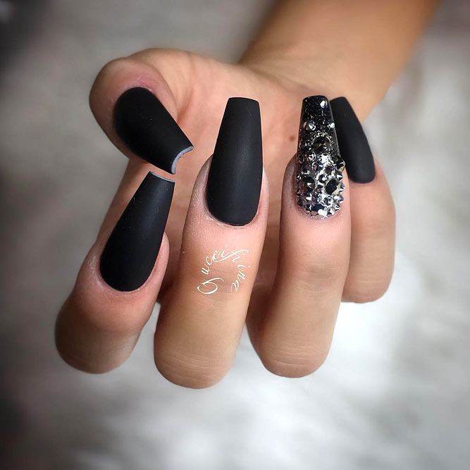 Perfect Black Color With Stones Best Combo picture2