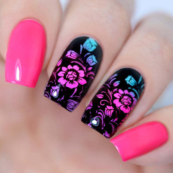 Gradient Nails Design With Flowers For Romantic Mood