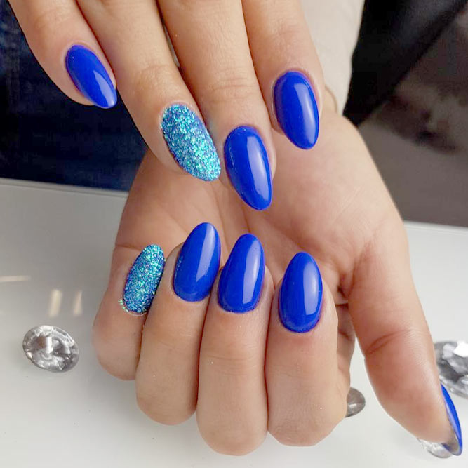 Bright Cobalt Blue Summer Nail Colors picture 2