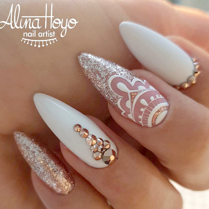 Gold White And Mandala Accent Perfect Nail Design For Bride #nudenails #goldglitter
