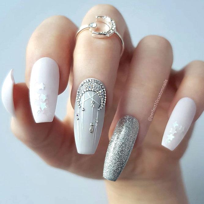 Fabulous Squareletto Shape For Those Who Wants Something Unusual #longnails #squarelettonails #acrylicnails #moonnails #starnails
