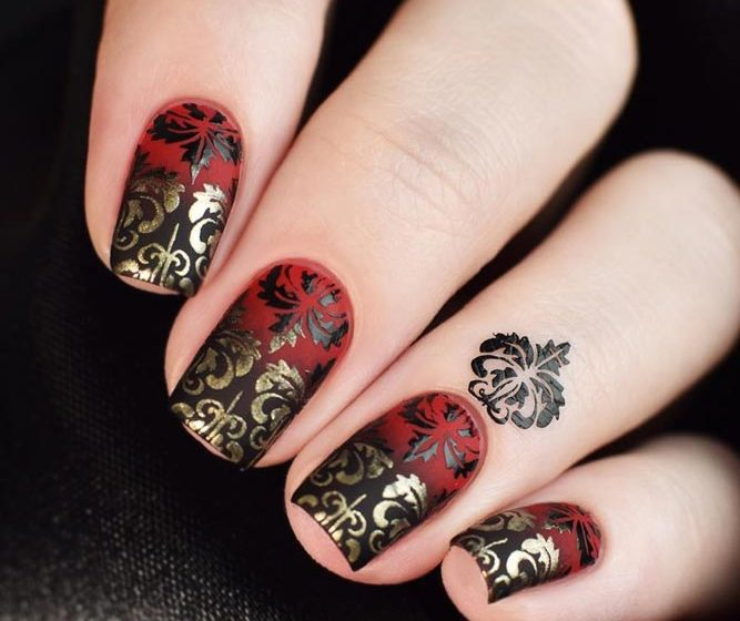 Dramatic Black And Red Ombre With Golden Pattern #shortnails #squarenails #ombrenails #blackandrednails