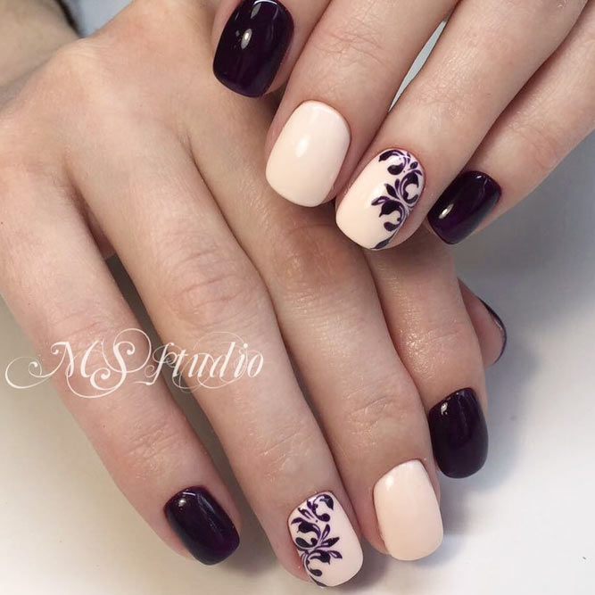 Combination Of Nude And Dark Purple Shade With Damask Pattern #purplenails #shortnails #squoval