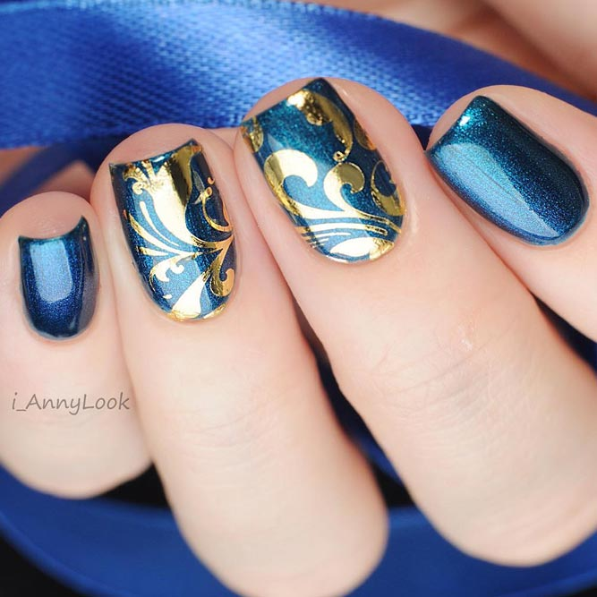 Simple Nail Design Golden Damask Decals #shortnails #squarenails #bluenails #matallicnails #decalnails