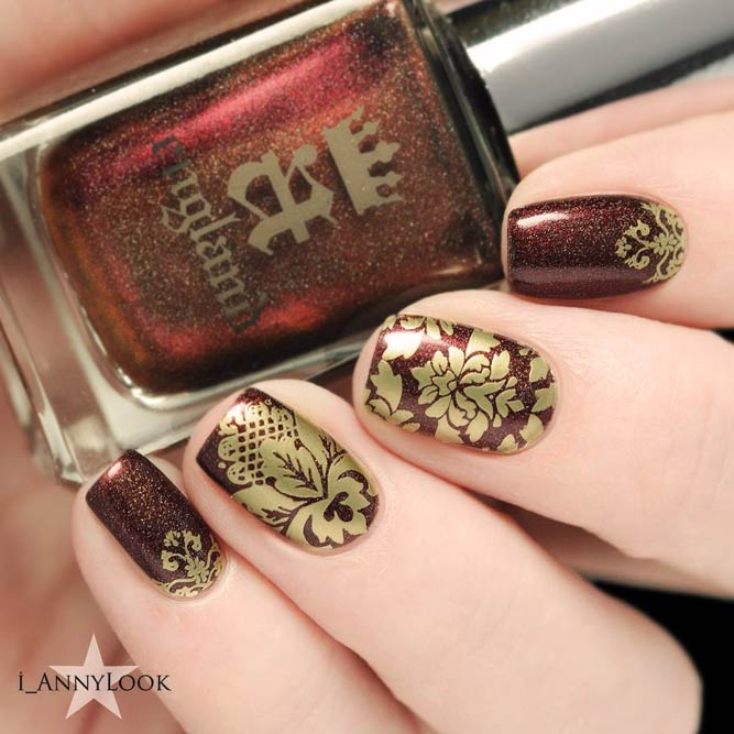 Stunning Mix Of Metallic Brown And Golden Damask Print #shortnails #squarenails #goldnails #brownnails #shimmernails