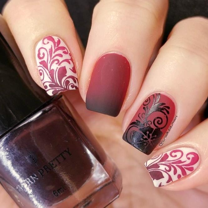 Fantastic Red Manicure With Damask Pattern #shortnails #squarenails #ombrenails #rednails