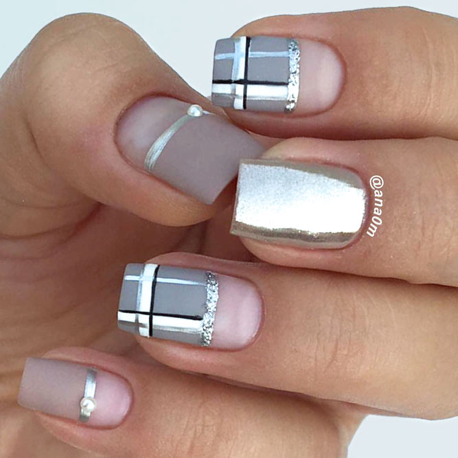 Checkered Pattern In A Combination With Taupe Color #shortnails #mattenails #checkerednails
