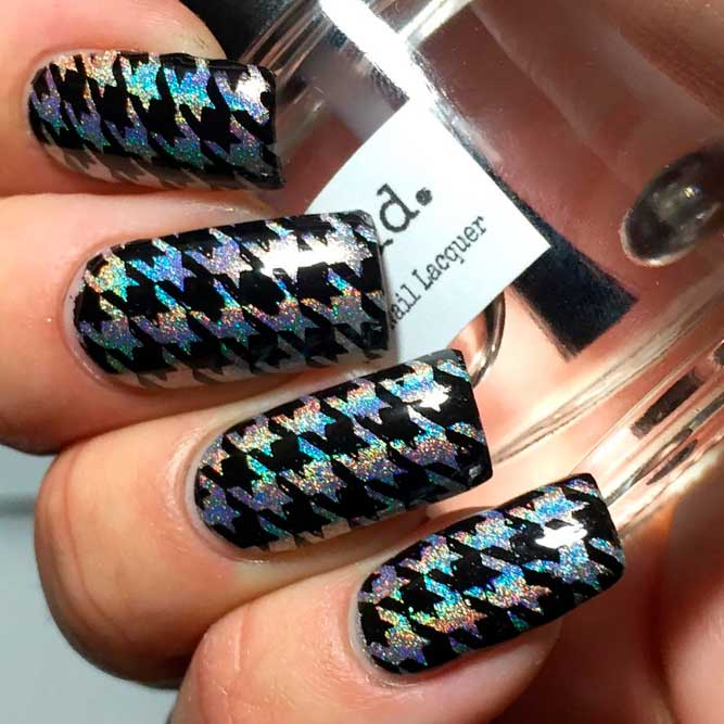 Holographic Houndstooth Nail Design #holonails #holographicnails