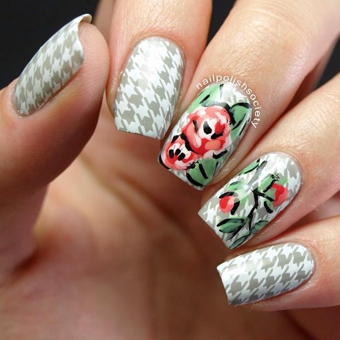 Houndstooth Nails With Roses #stampingnails #squarenails #flowernails