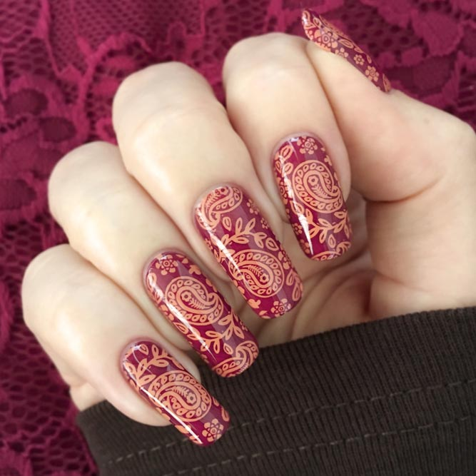 Beautiful Paisley Decor For Long Nails #longnails #squoval #rednails #stampingnails