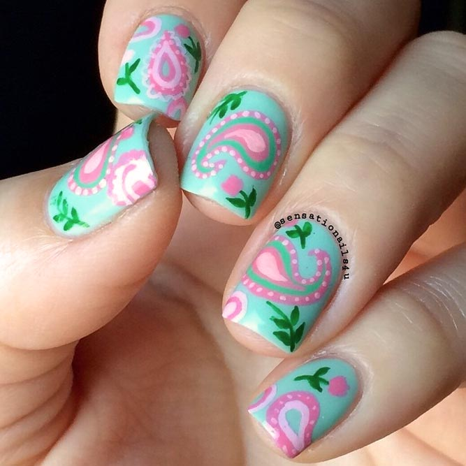 Hand Painted Paisley Pattern For A Cute Manicure #shortnails #squarenails #mintnails