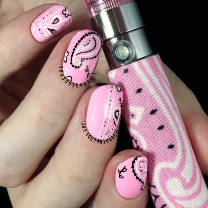 Girly Mix Of Sweet Pink Color And Paisley Design #shortnails #roundednails #pinknails