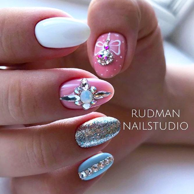 Magnificent Silver Glitter Accents