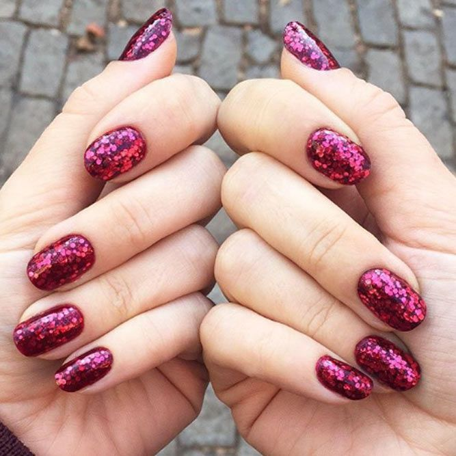 Glittery Valentine`s Day Nails