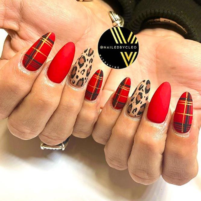 Plaid Nails In The Trend