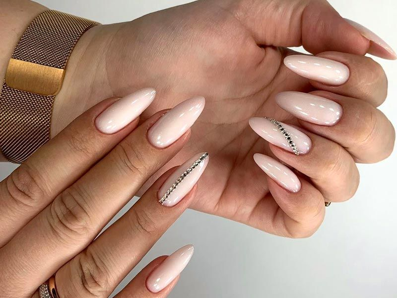 Lovely Designs for Almond Nails You Won't Resist