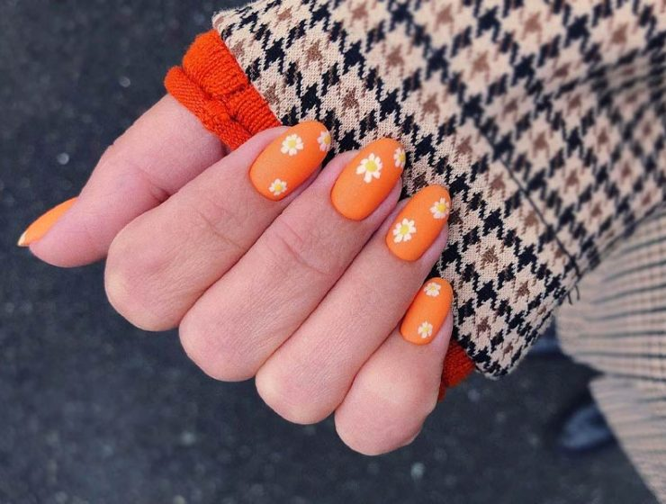 Cute Flower Nail Designs to Try This Season
