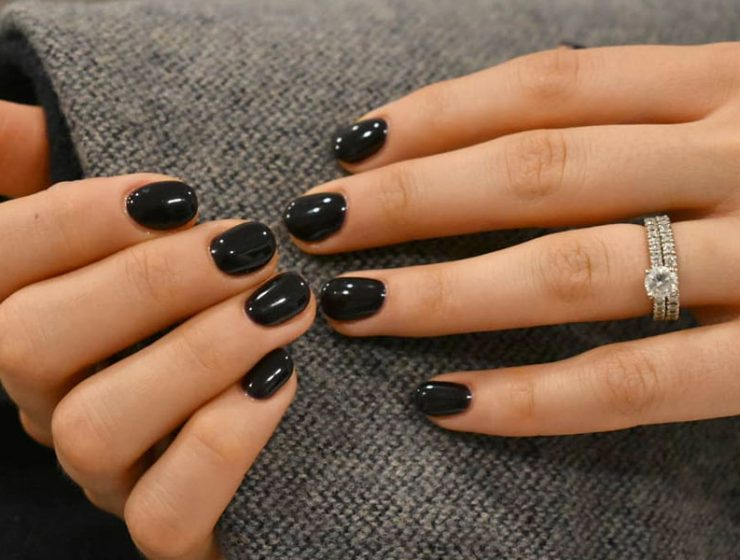 Intricate Short Acrylic Nails To Express Yourself