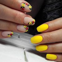yellow nails ideas to light up your every day