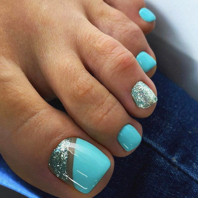 Sweet Blue Color For Toe Nails